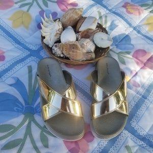 Gold Toe Women's Slide Sandals  NWOB 6M Gold